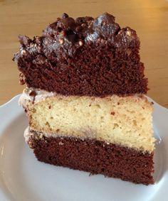 Vegan Ferrero Rocher cake -- gâteau végétalien Ferrero Rocher