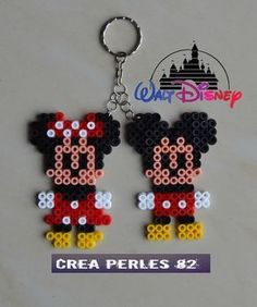 Keychain Minnie and Mickey pearl Hama - Perler beads Perler Bead Designs, Perler Bead Templates, Hama Beads Design, Diy Perler Beads, Pearler Bead Patterns, Perler Bead Art, Perler Patterns, Easy Perler Beads Ideas, Hama Disney