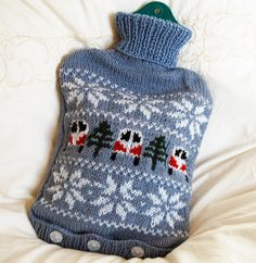 Ravelry: Campervan Hot Water Bottle Cover PDF Knitting Pattern pattern by Tracy Harrison (SnuginaDub) Fair Isle Knitting, Knitting Yarn, Small Knitting Projects, Knitting Patterns, Knitting Ideas, Super Chunky Yarn, Water Bottle Covers, Christmas Knitting, Amigurumi