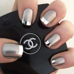 Love this metallic mani!