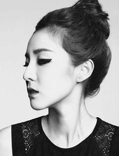 Dara (2NE1)   emphasEYES & updo's