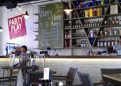 Party Play Lifestyle Cafe: Restaurant bar counter
