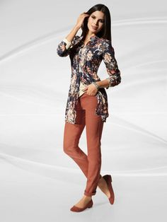 Floral printed long shirt. Suede ballerinas and trousers in terracotta