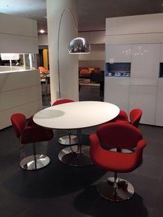 Artifort Chairs Little Tulip, Pierre Paulin, 1965 Artifort Circle Table, Pierre Paulin FLOS Arco Floorlamp, Achille & Pier Giacomo Castiglioni, 1962