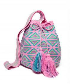Miss Mochila Pink Cartagena Mochila Tassel Bag - nice color combo for spring Inspiration---Love the colors. Tapestry Bag, Tapestry Crochet, Crochet Handbags, Crochet Purses, Crochet Bags, Love Crochet, Knit Crochet, Mochila Crochet, Boho Bags