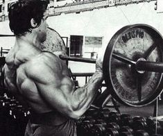 Arnold Schwarzenegger is rightfully a legend in the world of bodybuilding. Here are 35 awesome classic bodybuilding pictures of Arnold Schwarzenegger. Bodybuilding Training, Arnold Bodybuilding, Arnold Schwarzenegger Bodybuilding, Bodybuilding Workouts, Bodybuilding Motivation, Training Motivation, Fitness Motivation, Arnold Motivation, Daily Motivation