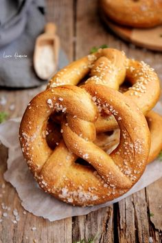 Romanian Food, Romanian Recipes, What A Beautiful Day, No Cook Desserts, Ciabatta, Onion Rings, Doughnuts, Lunch Box, Cooking Recipes