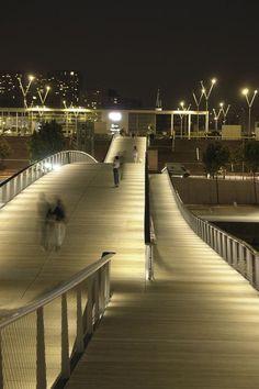 Simone de Beauvoir footbridge by Dietmar Feichtinger Architectes. Paris.