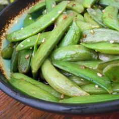 Asian Sugar Snap Pea Appetizer - our favorite app from summer of Also used the sauce recipe in other stir fry recipes. Pea Recipes, Vegetable Recipes, Asian Recipes, Healthy Recipes, Party Recipes, Party Snacks, Healthy Meals, Yummy Recipes, Quick Appetizers