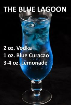 Pin by Kayla Johnson on alcohol, my only friend. Blue Drinks, Fruity Drinks, Refreshing Drinks, Summer Drinks, Blue Alcoholic Drinks, Blue Curacao Drinks, Mixed Drinks Alcohol, Alcohol Drink Recipes, Liquor Drinks