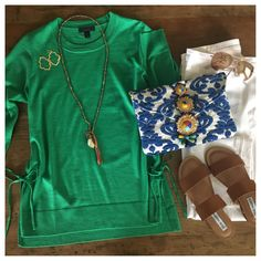 PERFECT SPRING OUTFIT with white jeans!  And look at that clutch!
