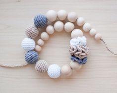 Zahnen Halskette / Crochet Krankenpflege Halskette von SvetlanaN