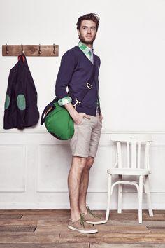 Die: Sand Sneakers + Beige Short + Navy Cardigan + Green Plaid Shirt