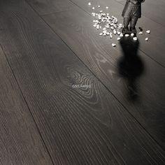 Siyah Tasarım LaminatnParke Modelleri: Siyah Solid Сhrome Meşe 12mm Laminat Parke