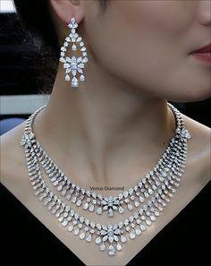 Real Diamond Necklace, Diamond Chandelier Earrings, Green Necklace, Diamond Jewellery, Necklace Set, Jewelry Box, Jewelry Necklaces, Ear Rings, Bridal Jewellery