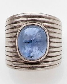 A rare sapphire and silver ring, designed by Suzanne Belperron, executed by René BOIVIN, 1935.