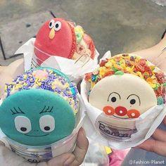 Ice Cream Cookies, Ice Cream Desserts, I Want Food, Cute Food, Cute Desserts, Delicious Desserts, Macarons, Sweet Cafe, Ice Bars