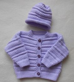 Here I worked a super cute garnish in a beautiful lilac color. The jacket and hat are part of the set. I would like shoes at an additional cost of € . Here I have a super cute set in a beautiful lilac tone . Baby Knitting Patterns, Baby Cardigan Knitting Pattern, Baby Hats Knitting, Kids Patterns, Knitting For Kids, Knitting For Beginners, Knitting Stitches, Baby Boy Sweater, Baby Sweaters
