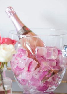 How to Throw a Galentine's Day Brunch in 4 Easy Steps – Birthday Brunch, Brunch Party, Tea Party, My Funny Valentine, Valentines Day Party, Flavored Ice Cubes, Wedding Shower Decorations, Valentine's Day, Party Planning