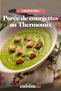 Cette purée cuisinée au Thermomix est à base de courgettes et pommes de terre. #recette#cuisine #puree #courgette #legume #robot #robotculinaire #thermomix Robot, Zucchini, Apples, Cooking Recipes, Robots