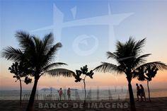 Pôr do sol na praia de Ipanema - Rio de Janeiro - Brasil.