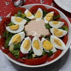 Σαλάτα του σεφ η αυθεντική Caprese Salad, Cobb Salad, Recipies, Eggs, Breakfast, Food, Furniture, Recipes, Morning Coffee