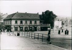 Czech Republic, Prague, Mansions, Retro, House Styles, Historia, Manor Houses, Villas, Mansion