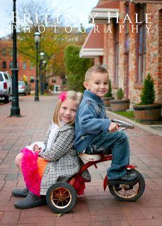 sibling posing, kid posing