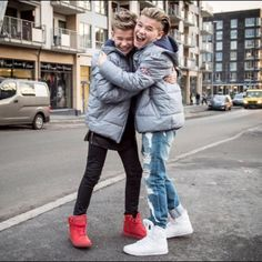 Cute and fun faces Best Backrounds, Mike Singer, Instagram 2017, Bars And Melody, Cute Chickens, Dream Boyfriend, Cute Twins, Love U Forever, Funny Dog Memes