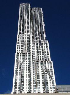 El arquitecto norteamericano Frank Gehry recibe el Premio Príncipe de Asturias de las Artes 2014: http://www.guiarte.com/noticias/frank-gehry-premio-principe-asturias-2014.html