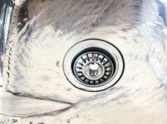 Bikarbonat – 13 tips på hur du kan använda det Bathroom Sink Drain, Bathtub Drain, Smelly Shower Drain, Best Drain Cleaner, Bra Hacks, Ideas Prácticas, Septic System, Cleaning Materials, Mugs