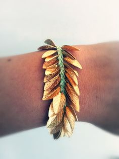 Handmade Leaf Bracelet Click the picture to find out Star Necklace, Heart Pendant Necklace, Heart Earrings, Fashion Necklace, Fashion Jewelry, Bracelet Love, Do It Yourself Jewelry, Bling, Jewelry Making