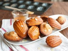 The Madeleine I buy is either too dry, too floury, or worse, has the acrid taste of baking powder. But then the skies parted one day when I . French Cookies, French Cake, French Food, Baking Recipes, Cookie Recipes, Dessert Recipes, Apricot Glaze Recipe, Macarons, Impressive Desserts