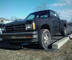 1987 Chevrolet S-10 350ci V8 4spd 4x4 by dummyface http://www.chevybuilds.net/1987-chevrolet-s-10-350ci-v8-4spd-4x4-build-by-dummyface