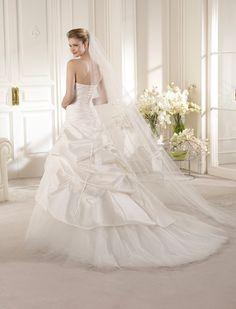 ALMANZORA   Wedding Dresses   Glamour 2013 Collection   San Patrick (back)