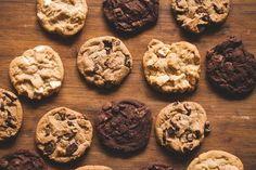 Keto Cookies, Keto Chocolate Chip Cookies, No Bake Cookies, Baking Cookies, Sugar Cravings, Food Cravings, Biscuits Aux Raisins, Convection Oven Cooking, Convection Oven Conversion