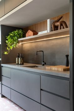 Make way for kitchen linens! Kitchen Room Design, Kitchen Cabinet Design, Modern Kitchen Design, Home Decor Kitchen, Interior Design Kitchen, Apartment Kitchen, Modern Kitchen Interiors, Modern Kitchen Cabinets, Le Corbusier Architecture