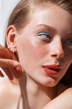 You bought your multiple, now here's how to wield it—four looks on Lauren de Graaf demonstrate endless ways to wear multi-use makeup.