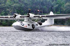 Catilina aircraft 'Don't mind me, just going for a swim. Amphibious Aircraft, Passenger Aircraft, Navy Aircraft, Ww2 Aircraft, Military Jets, Military Aircraft, Aeroplane Flying, Float Plane, Flying Boat