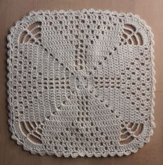 Karen Klarbæks World: Crochet doily with star . and more napkins on the way . Crochet Square Patterns, Crochet Chart, Crochet Squares, Thread Crochet, Crochet Granny, Filet Crochet, Crochet Motif, Crochet Doilies, Crochet Stitches
