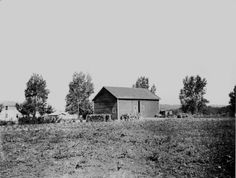 Early picture of White Lake Villa property with barn, probably 1920s.