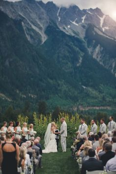 Gorgeous 80+ Awesome Mountain Wedding Ideas https://weddmagz.com/80-awesome-mountain-wedding-ideas/
