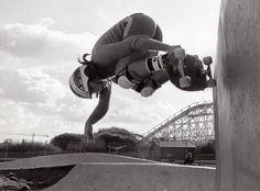 Website about girls & women's skateboarding.Street, vert, pool, bowl, longboarding & downhill skateboarding.