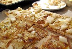 Birne-Camembert-Flammkuchen
