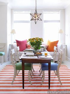 Blocks of bright color lend the dining room a playful air. Design: Todd Klein. #splendidspaces