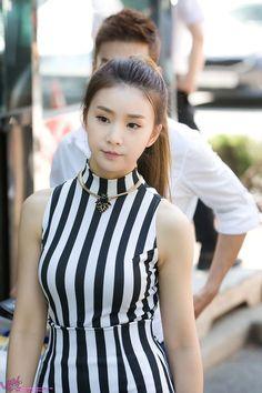 Kpop Girl Groups, Kpop Girls, Korean Music, Girl Day, Girl Costumes, Pop Fashion, Asian Beauty, Female, Hair Styles