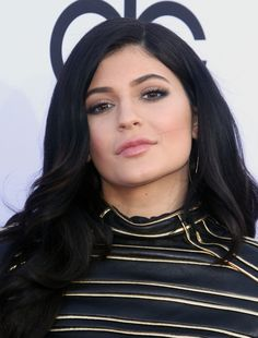 Princess Kylie Jenner + Kendall, One Direction, Meghan Trainor, Mariah Carey And Others At Billboard Music Awards 2015 - http://oceanup.com/2015/05/17/princess-kylie-jenner-kendall-one-direction-meghan-trainor-mariah-carey-and-others-at-billboard-music-awards-2015/
