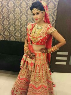 Important Style Bridal Hairstyles In Lehenga - Although often chosen for its practicality and smart appearance, hairstyle bridal to be a safe option. In fact, the cutting of the cut make this an excellent choice for any who wants to stand at the . Indian Bridal Outfits, Indian Bridal Lehenga, Indian Bridal Fashion, Indian Bridal Wear, Bridal Dresses, Bridal Mehndi, Wedding Lehnga, Indian Wedding Bride, Indian Weddings