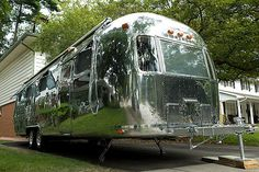 Kevin Fitzsimons has recognized my personal weakness for Airstreams and sent MoCo Loco his MObi project, a restoration and modernization of a 1978 Sovereign 31' Airstream Land Yacht.