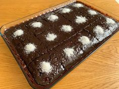 Bol Soslu En Kolay Islak Kek Nasıl Yapılır? Diğer Tarifleri Unutacaksınız! Garanti Islak Kek Tarifi - YouTube Food Cakes, Other Recipes, Beautiful Cakes, Cake Recipes, Food And Drink, Cupcakes, Easy, Forget, Youtube